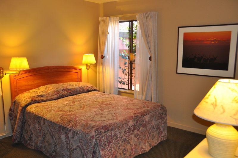 Room.interior.bed